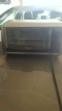 black and Decker toast/oven Edmonton, T5Y 6M1
