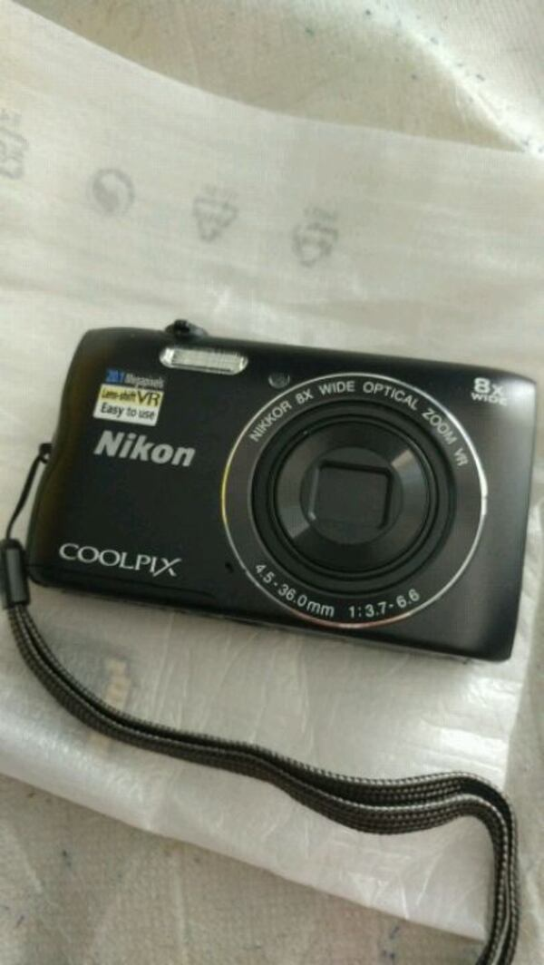 Camera Nikon coolpix a300 with warranty d1280840-0aa7-48ae-b9e6-47cb08ecc769