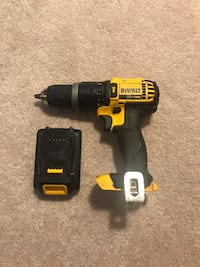 Dewalt 20V Hammerdrill / Drill and Battery Whitby, L1R 3H8