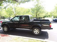 2002 Toyota Tacoma Pre Runner 164000 miles null