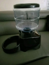 Automatic Pet Feeder with Voice Message Recording  Bakersfield, 93309