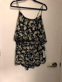 Daisy Outfit Toronto, M5A 0H4