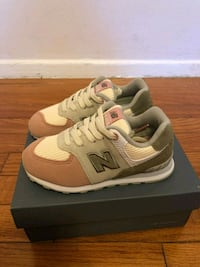 New balance shoes toddler size 9.5 Silver Spring, 20906
