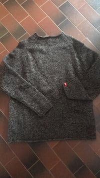 Levi's sweater M St Albert, T8N 2B2