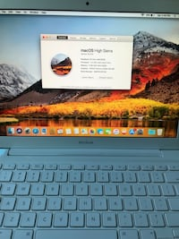 MID 2010 MACBOOK 2.4ghz 250gb hhd (Mint condition) Los Angeles, 91324