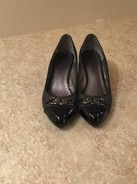 Black and gray wedge heels, size 9 Herndon, 20171