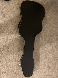 guitar hard case well maintained. 39x107