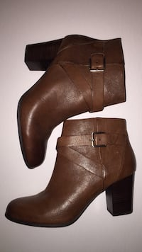 Brand new - Cole Haan leather booties, size 8.5 Windsor, N8S 3E7