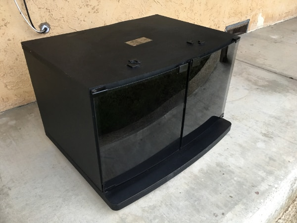 Used Sony Su 275 Black Tv Stand With Tinted Glass Doors And 2