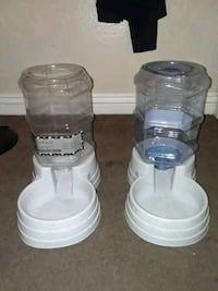 let food dispenser and water dispenser for cats or dogs ! Las Vegas, 89119