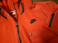 Nike Zip Up Hoodie Red Sweatshirt  Toronto, M6A 2T9