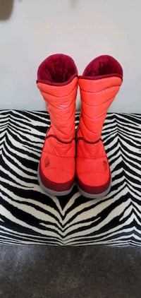 Brand New Girl's Winter Boots
