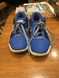 pair of blue-and-white Nike sneakers Phoenix, 85051