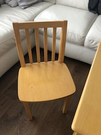 Kids table & chairs Kitchener, N2A 0H6