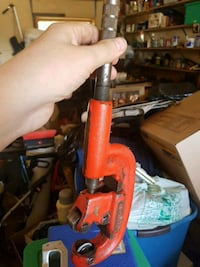 red rigid pipe cutter worth 200 Edmonton, T5W 4M9