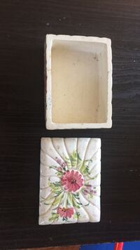 white and green floral print case Mount Airy, 21771