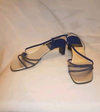 Navy blue velvet strappy sandals -  size 9 Kitchener, N2E