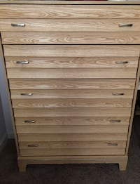 Brown wooden 5-drawer chest Alexandria, 22307