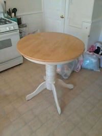 Nice table Woonsocket, 02895