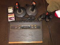Atari 2600 w/ 2 Games Riverdale, 20737