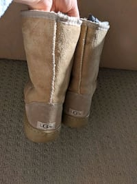Old fashioned UGG boots. Size 9-10. Chestermere, T1X 1K2