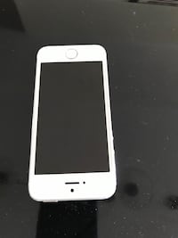 IPhone 5s unlocked  Welland, L3B 3N2