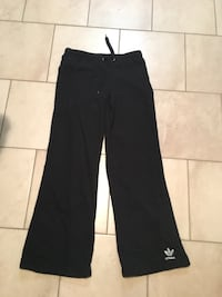 Adidas lounger sweat pants Burnaby, V5A 2L9