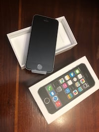 New IPhone 5s  (in package) 32 gig Brampton, L7A 3C8