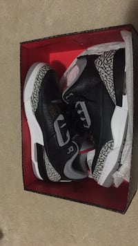 Jordan 3 Black Cement sz 9.5 Need gone quick  Vancouver, V5P