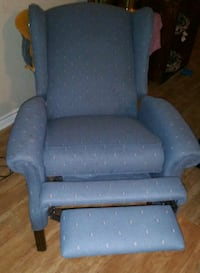 Recliner chair needs minor TLC Slidell, 70461