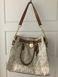 Michael Kors Purse Richmond Hill, L4E 4H1