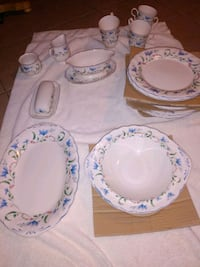 Plate set of 6,only 2 bowl 6 cups salad plate , gravy set, butter set