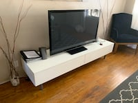 Tv stand console. Low profile. Tv not included Long Beach, 90803