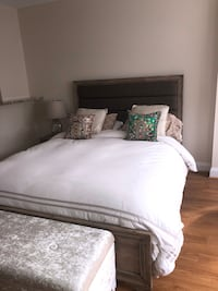 Beautiful Queen bed and mattress