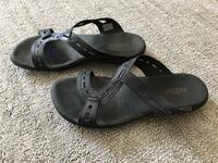 pair of black Keen leather slide sandals Millville, 96062