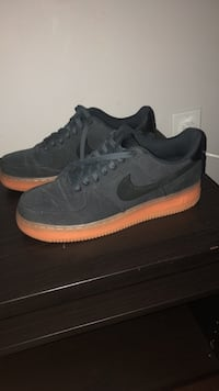 Air Force 1 gum bottom size 9.5 Mississauga, L5R 2P2