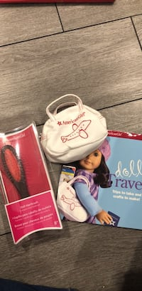 American girl doll travel set and hair brush for doll Laval, H7T 1N3