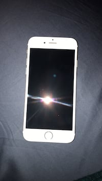 White iphone 6 Arlington, 22203