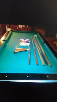 Billiards pool table excellent shape need gone mus Clementon, 08021