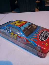 red and blue vehicle themed metal case Hughson, 95326