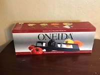 black Oneida tomato slicer box