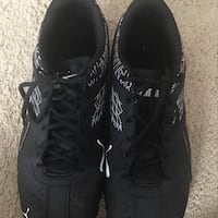 pair of black Nike running shoes Hilo, 96720