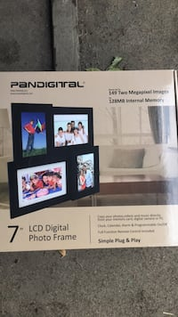 Four frame digital picture frame Columbia Heights, 55421