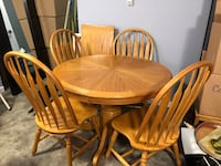 SOLID OAK DINING TABLE SET (With leaf) Coquitlam, V3K 1E9