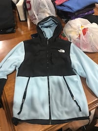 North face jacket w/hood women's small Townsend, 19734