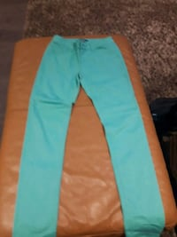 Women's stretch jeans sz 3 Toronto, M9C 4K9