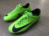 Pair of green nike cleats. For 9-10 year olds Burnaby, V5E 3P1