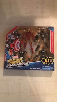 Marvel Super Hero Mashers with box