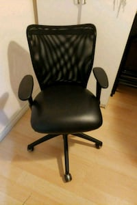 black leather office rolling armchair Toronto, M6E 4R7