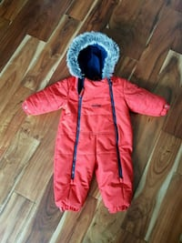 12 mth Oshkosh snowsuit Pickering